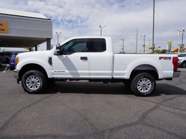 2017 F-250 Super Cab 4x4 Pickup #72062 - photo 3