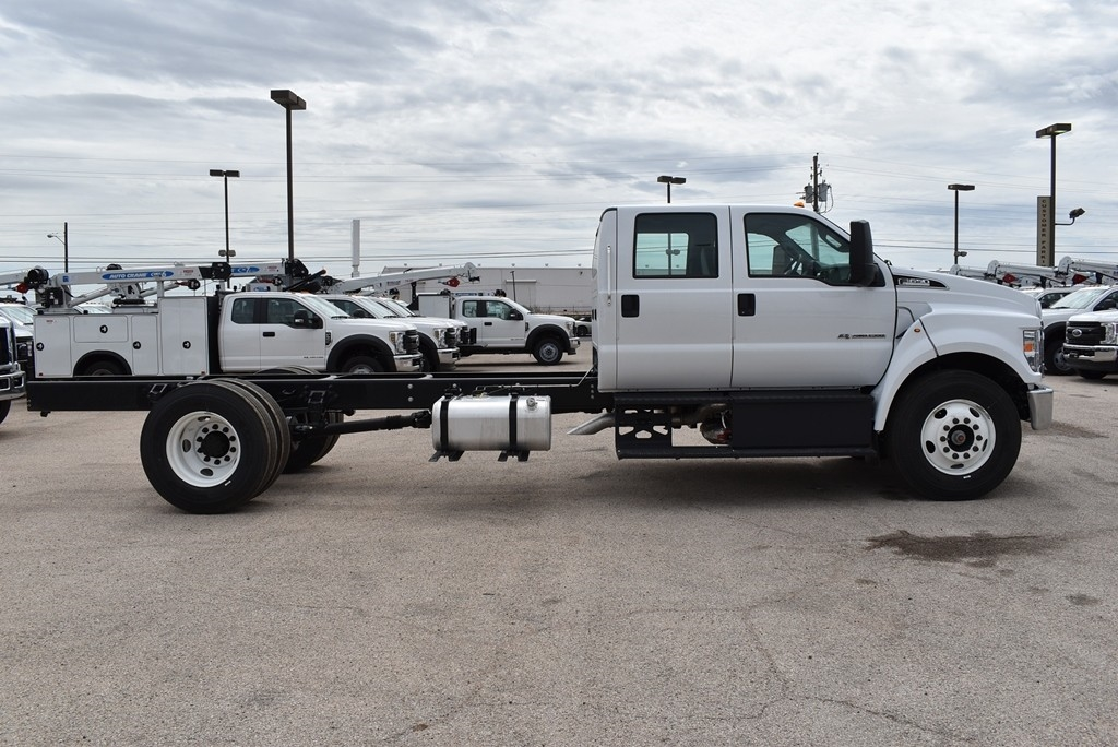 2021 Ford F-650 Crew Cab DRW 4x2, Cab Chassis #101355 - photo 8