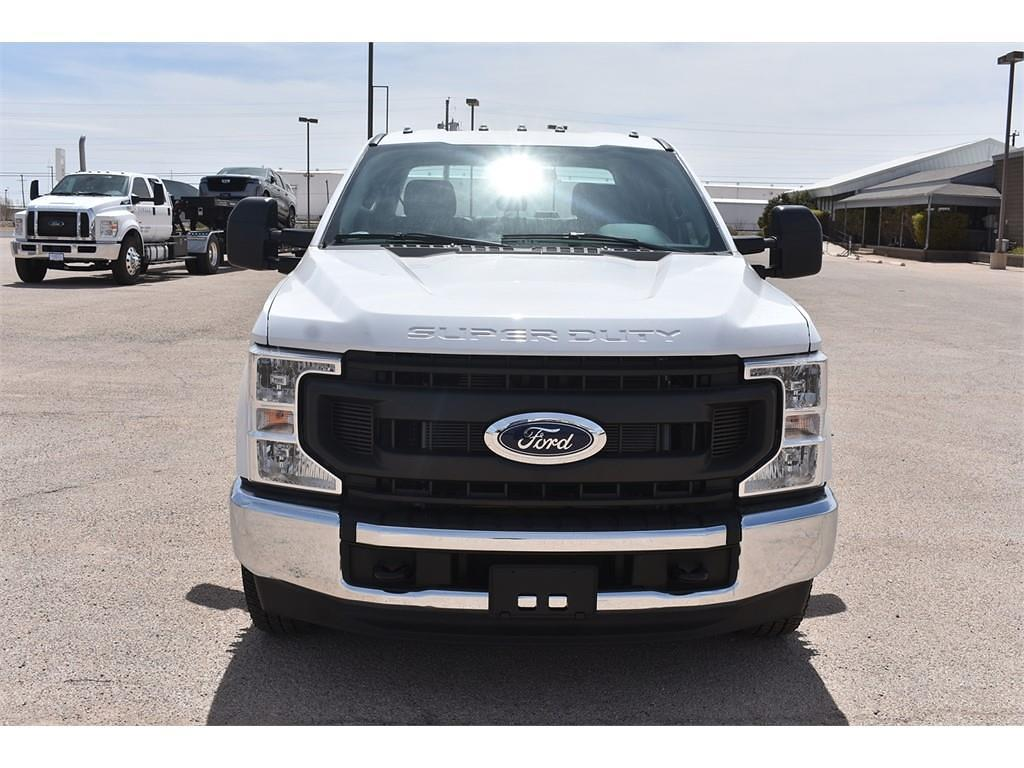 2021 Ford F-350 Crew Cab DRW 4x2, Cab Chassis #123765 - photo 3