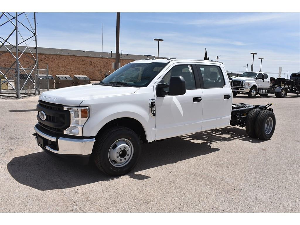 2021 Ford F-350 Crew Cab DRW 4x2, Cab Chassis #123765 - photo 4