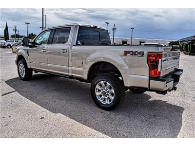 2017 Ford F-250 Crew Cab 4x4, Pickup #PL05850A - photo 4