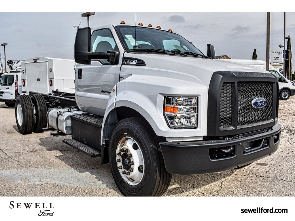 2019 F-650 Regular Cab DRW 4x2, Cab Chassis #902709 - photo 1