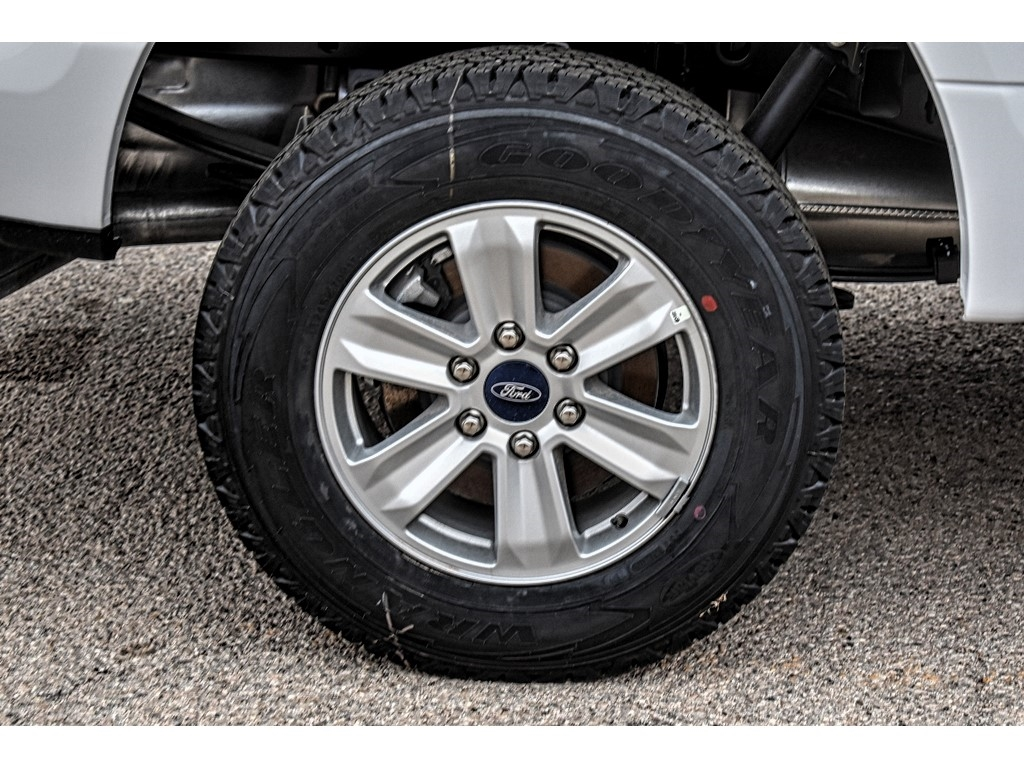 2019 Ford F-150 SuperCrew Cab 4x4, Pickup #916216 - photo 9