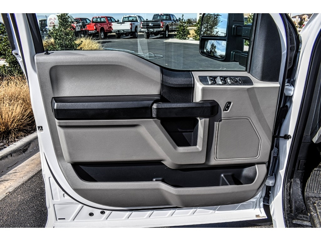 2019 F-550 Crew Cab DRW 4x4, Pick-Up Pals Other/Specialty #961711 - photo 15