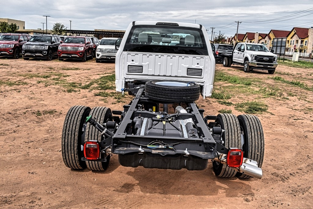 2019 Ford F-550 Crew Cab DRW 4x4, Cab Chassis #969184 - photo 7