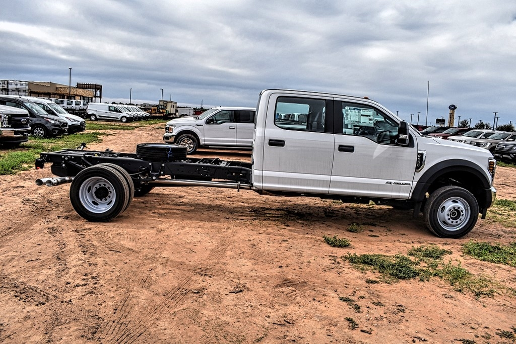 2019 Ford F-550 Crew Cab DRW 4x4, Cab Chassis #969184 - photo 8