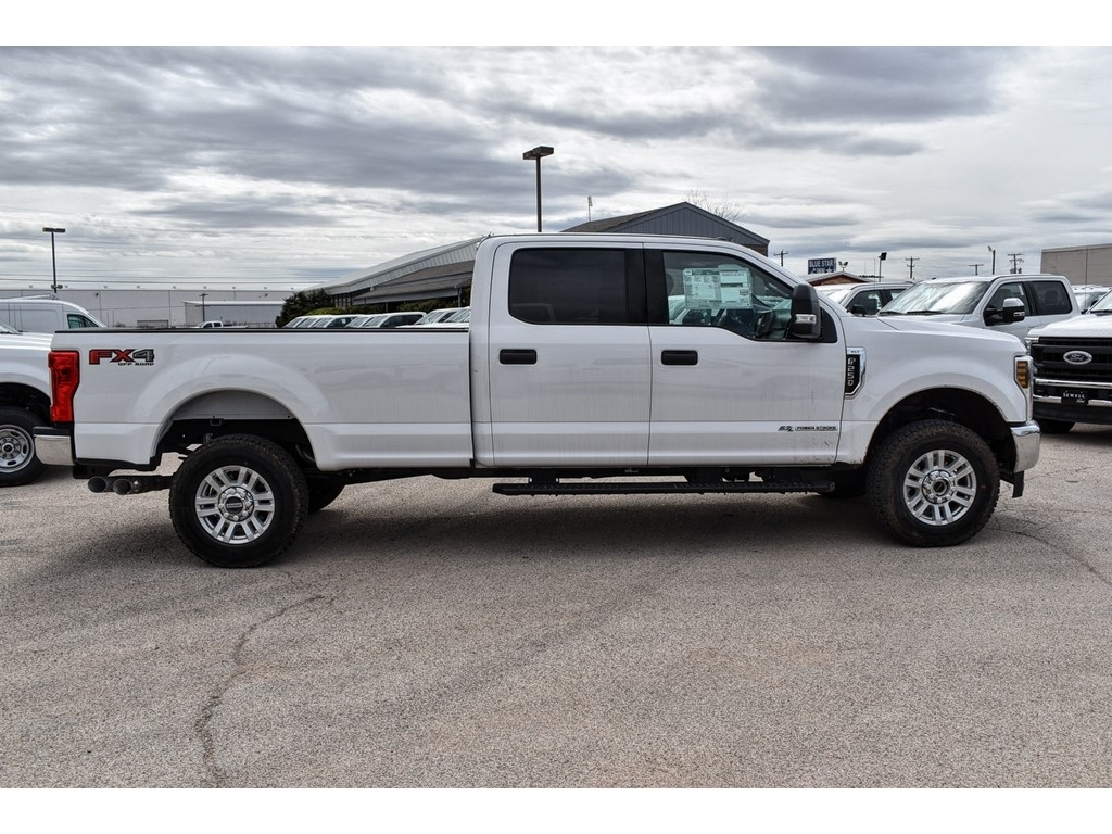 2019 F-250 Crew Cab 4x4, Cab Chassis #986080 - photo 10