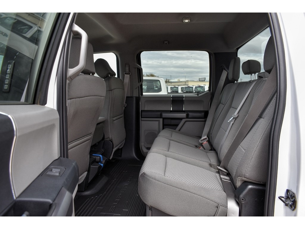 2019 F-250 Crew Cab 4x4, Cab Chassis #986080 - photo 12