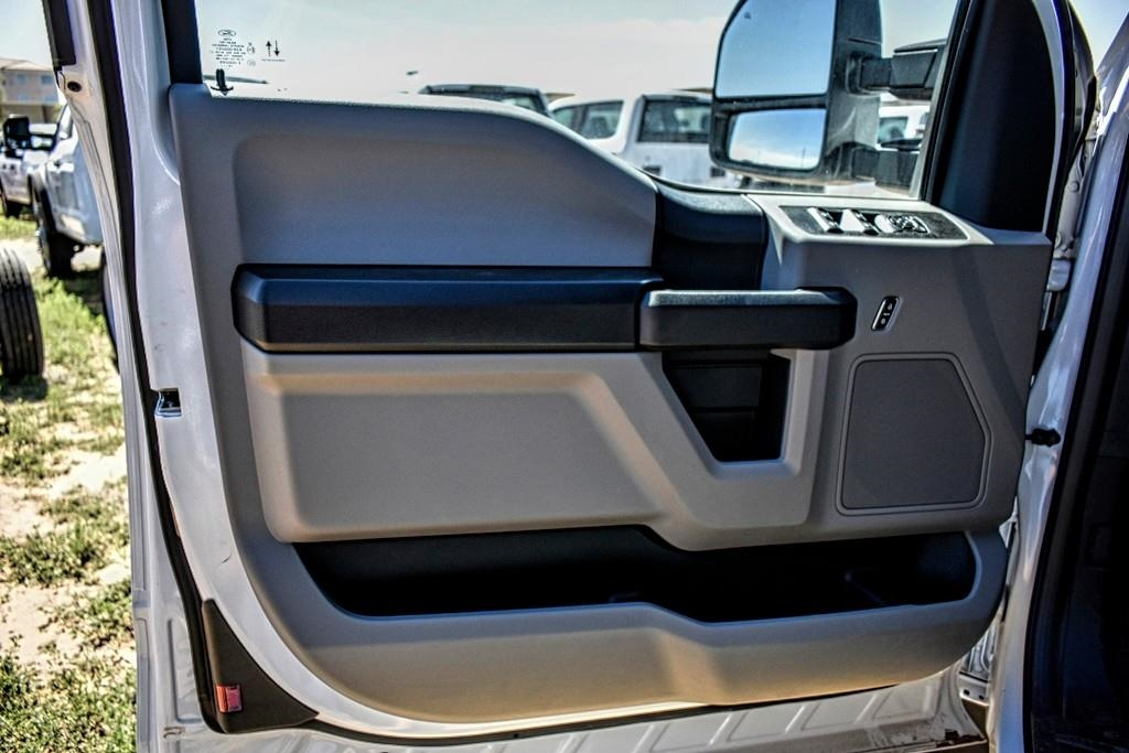 2019 Ford F-550 Super Cab DRW 4x4, Cab Chassis #987704 - photo 11