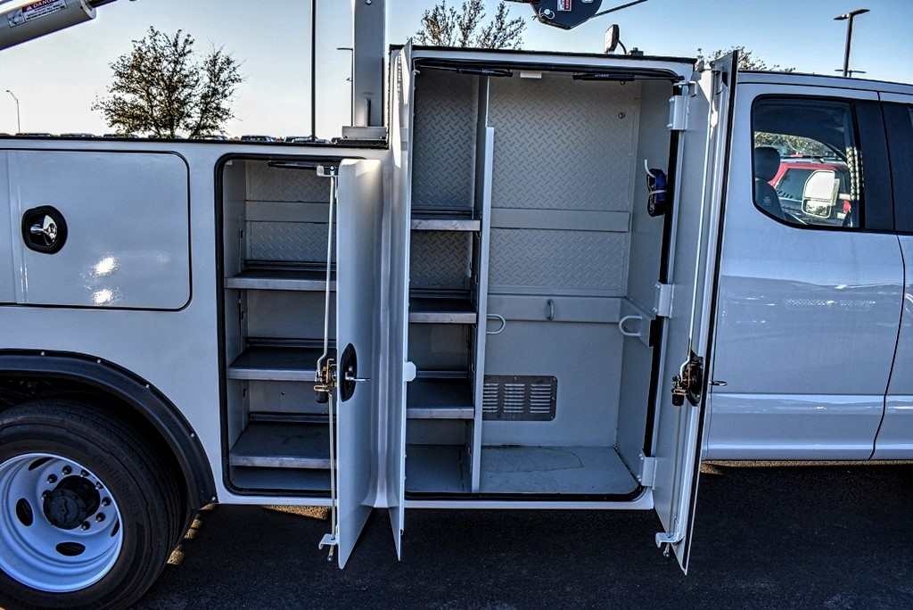 2019 Ford F-550 Super Cab DRW 4x4, Auto Crane Titan Mechanics Body #993348 - photo 9