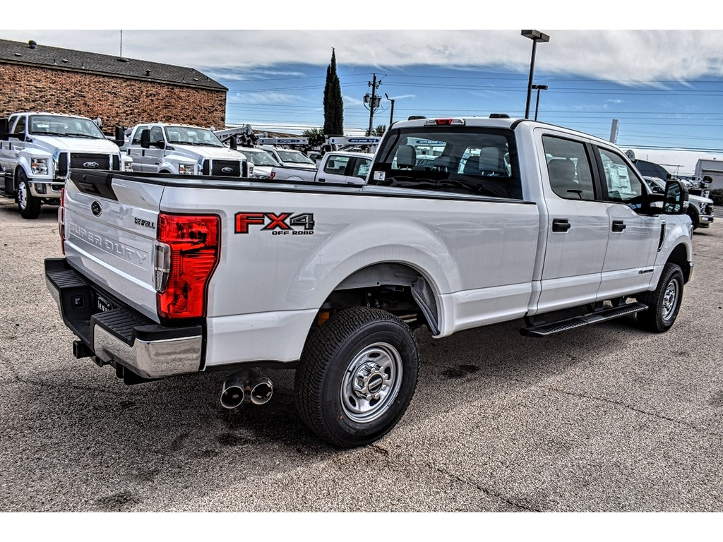 2020 Ford F-250 Crew Cab 4x4, Pickup #L19523 - photo 1