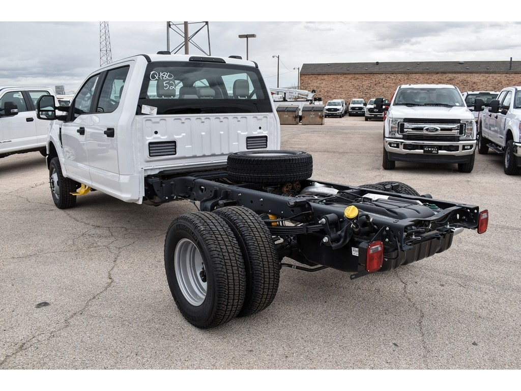 2020 Ford F-350 Crew Cab DRW 4x4, Cab Chassis #L19546 - photo 6