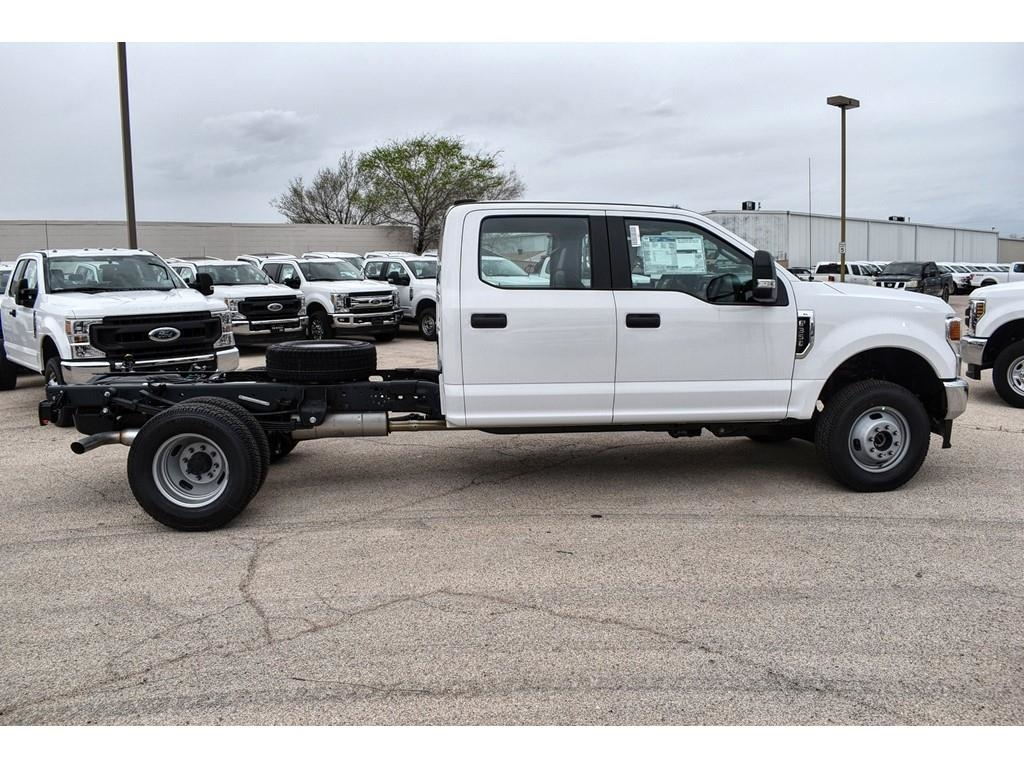 2020 Ford F-350 Crew Cab DRW 4x4, Cab Chassis #L19546 - photo 8