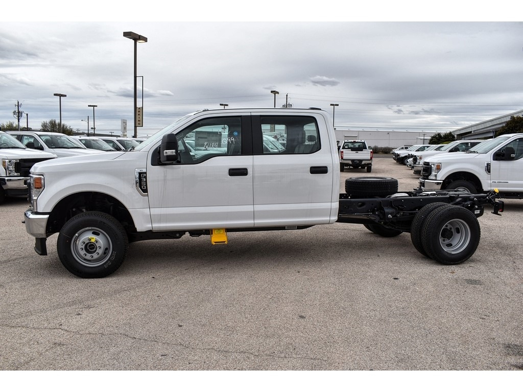 2020 Ford F-350 Crew Cab DRW 4x4, Cab Chassis #L19554 - photo 6