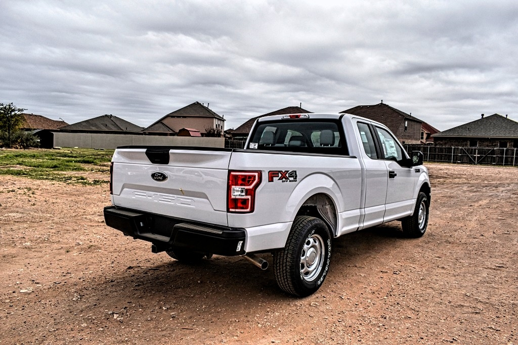 2020 Ford F-150 Super Cab 4x4, Pickup #L89016 - photo 2