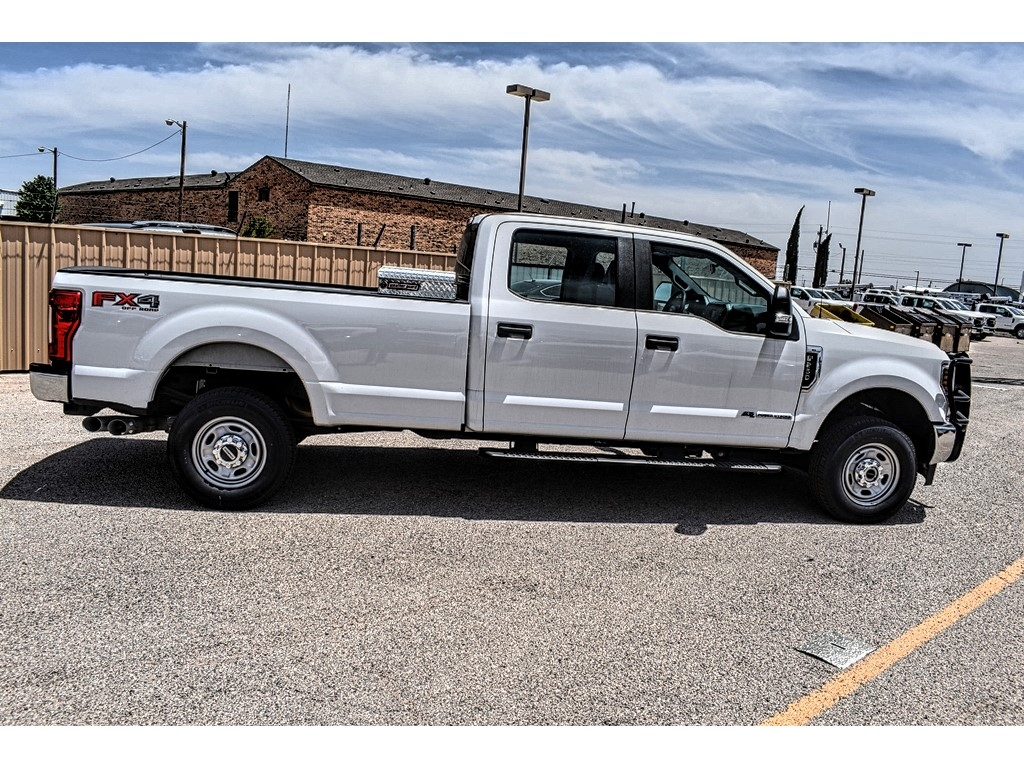 2019 Ford F-250 Crew Cab 4x4, Cab Chassis #M921401 - photo 8