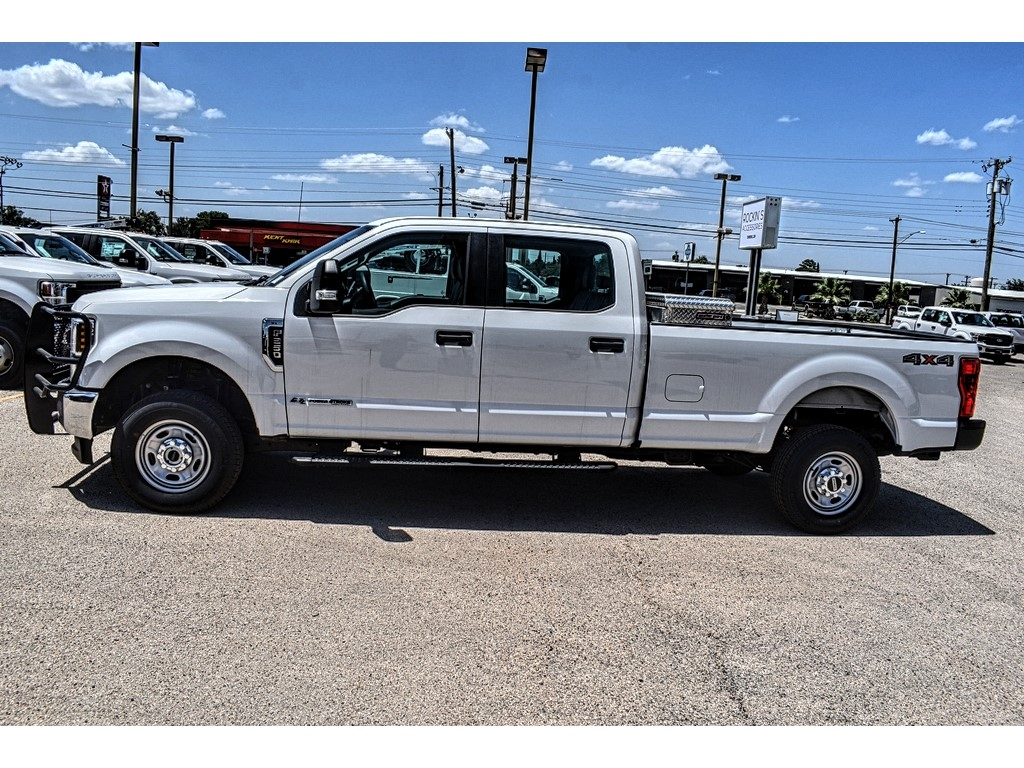 2019 Ford F-250 Crew Cab 4x4, Cab Chassis #M966394 - photo 5