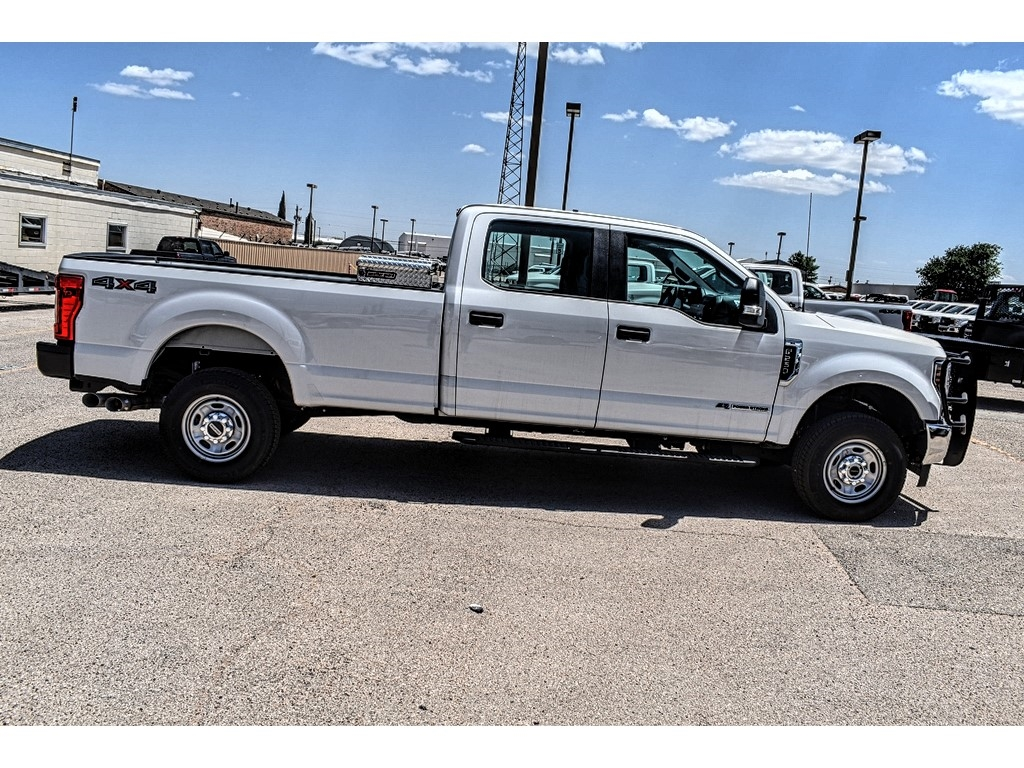 2019 Ford F-250 Crew Cab 4x4, Cab Chassis #M966394 - photo 8