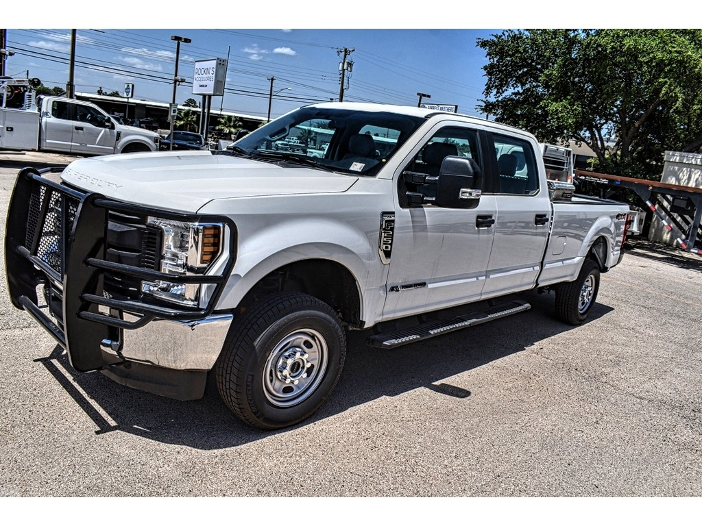 2019 Ford F-250 Crew Cab 4x4, Cab Chassis #M966394 - photo 4