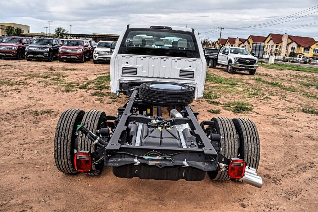 2019 Ford F-550 Crew Cab DRW 4x4, Cab Chassis #M978167 - photo 7