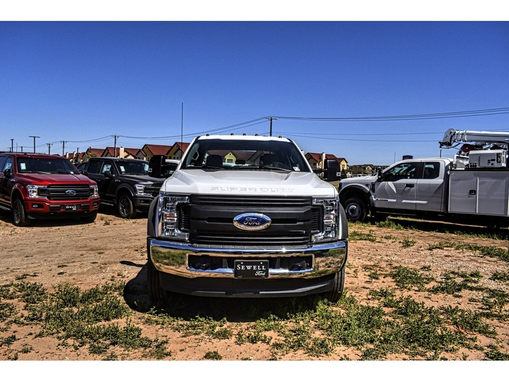 2019 Ford F-550 Crew Cab DRW 4x4, Cab Chassis #M978168 - photo 3