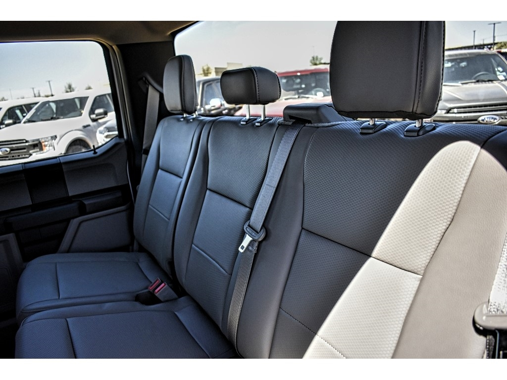 2019 Ford F-550 Crew Cab DRW 4x4, Cab Chassis #M978168 - photo 9