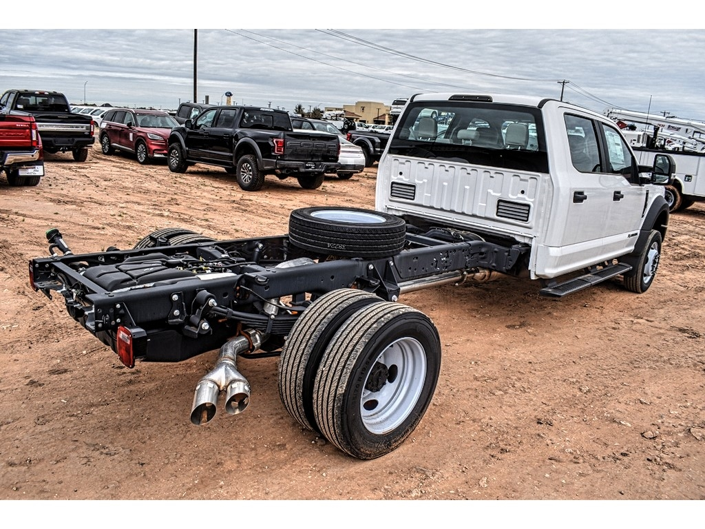2019 Ford F-550 Crew Cab DRW 4x4, Cab Chassis #M978169 - photo 2