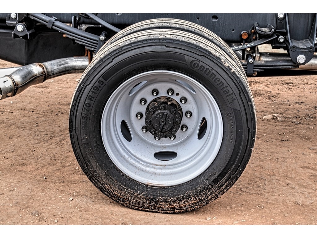 2019 Ford F-550 Crew Cab DRW 4x4, Cab Chassis #M978169 - photo 9