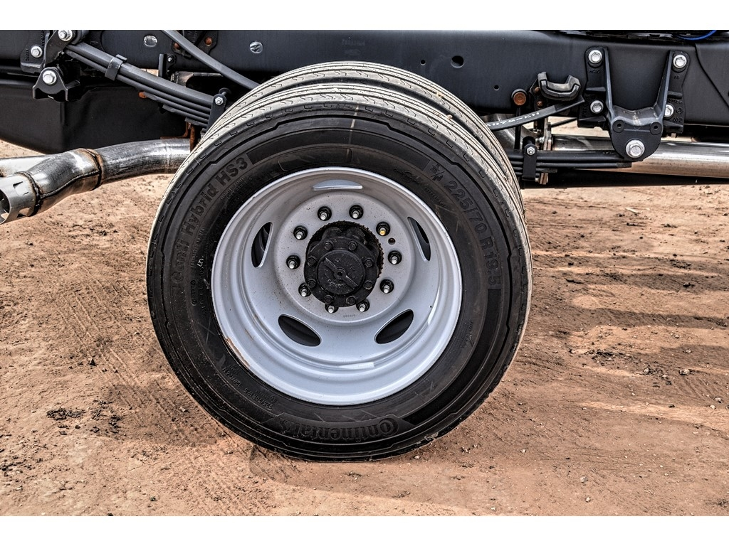 2019 Ford F-550 Crew Cab DRW 4x4, Cab Chassis #M988171 - photo 11
