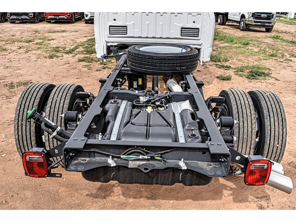 2019 Ford F-550 Crew Cab DRW 4x4, Cab Chassis #M988171 - photo 12