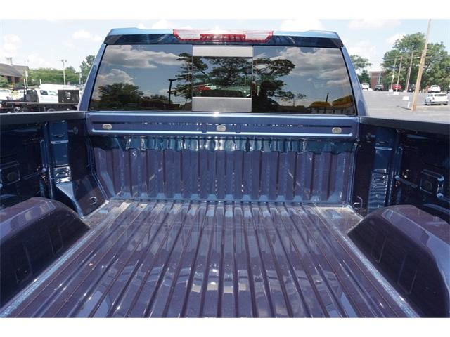 2020 Chevrolet Silverado 1500 Crew Cab 4x4, Pickup #235536 - photo 7
