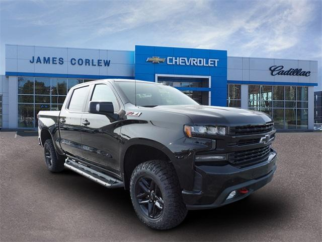 2020 Chevrolet Silverado 1500 Crew Cab 4x4, Pickup #235589 - photo 1