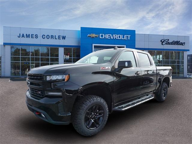 2020 Chevrolet Silverado 1500 Crew Cab 4x4, Pickup #235589 - photo 3