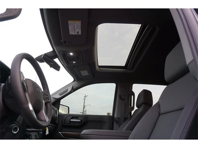 2020 Chevrolet Silverado 1500 Crew Cab 4x4, Pickup #235614 - photo 12