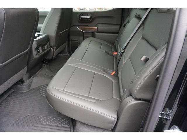 2020 Chevrolet Silverado 1500 Crew Cab 4x4, Pickup #235618 - photo 2