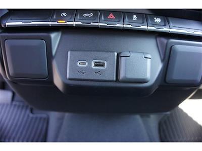 2021 Chevrolet Silverado 1500 Double Cab 4x4, Pickup #236462 - photo 16