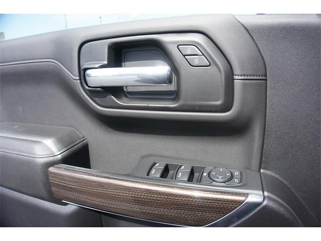 2021 Chevrolet Silverado 1500 Crew Cab 4x4, Pickup #236481 - photo 4