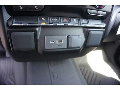 2021 Chevrolet Silverado 1500 Crew Cab 4x4, Pickup #236481 - photo 18