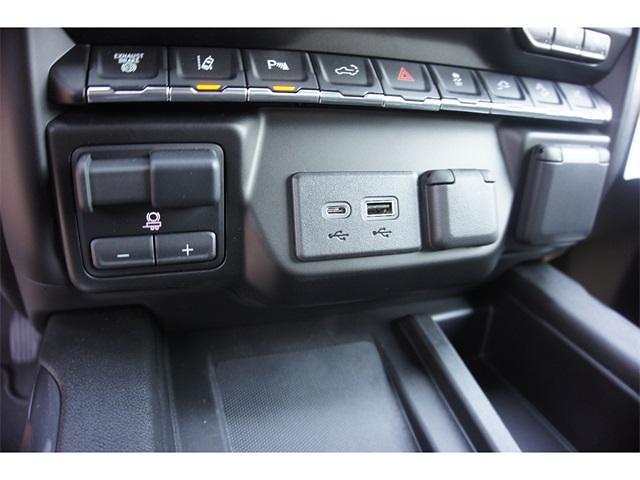 2021 Chevrolet Silverado 2500 Crew Cab 4x4, Pickup #236498 - photo 19