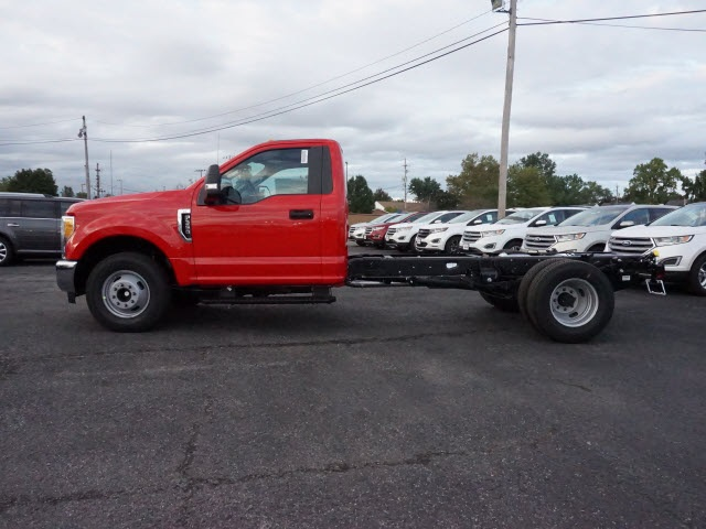 2017 F-350 Regular Cab DRW, Cab Chassis #F3003 - photo 3