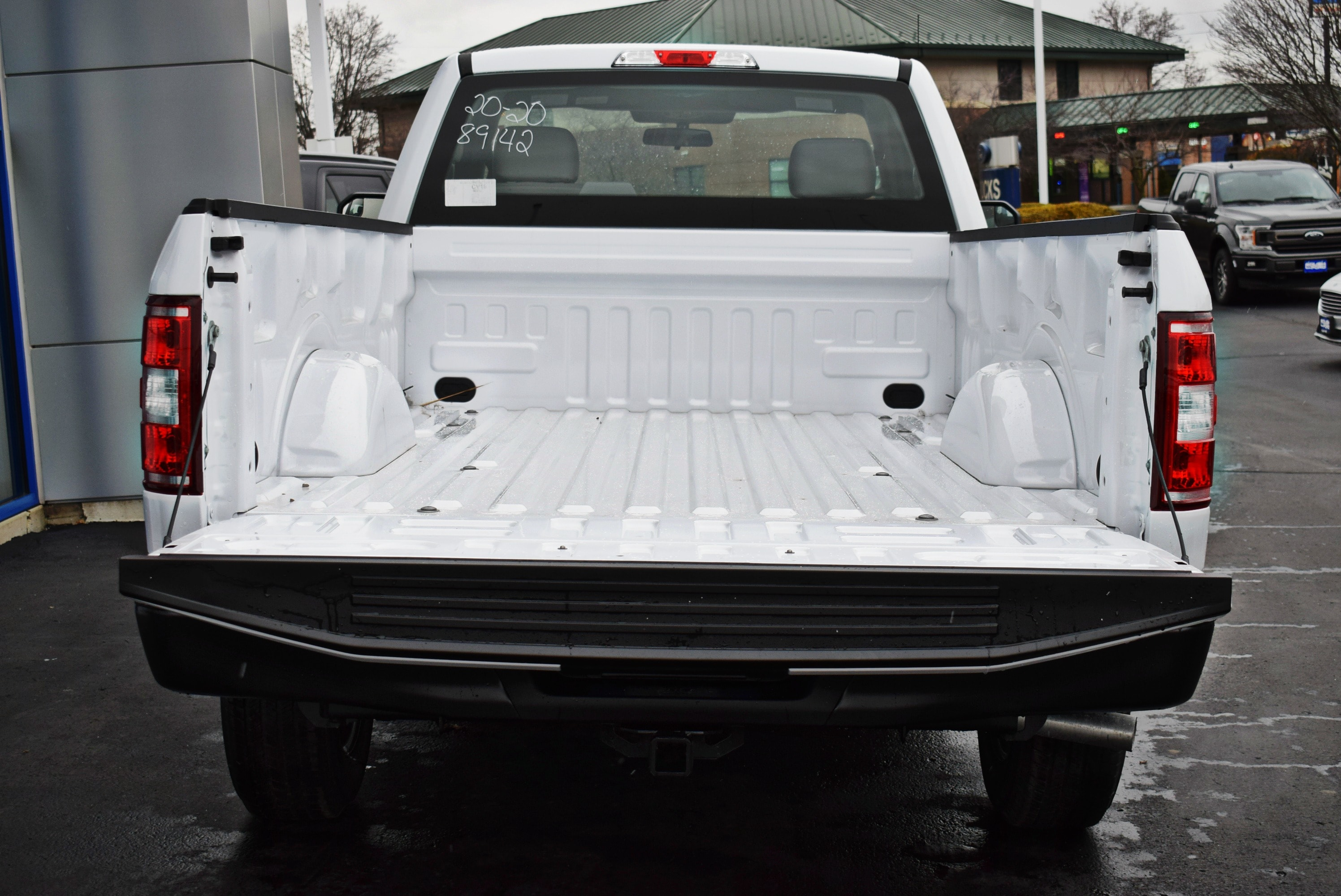 2018 F-150 Regular Cab 4x2,  Pickup #T18999 - photo 11
