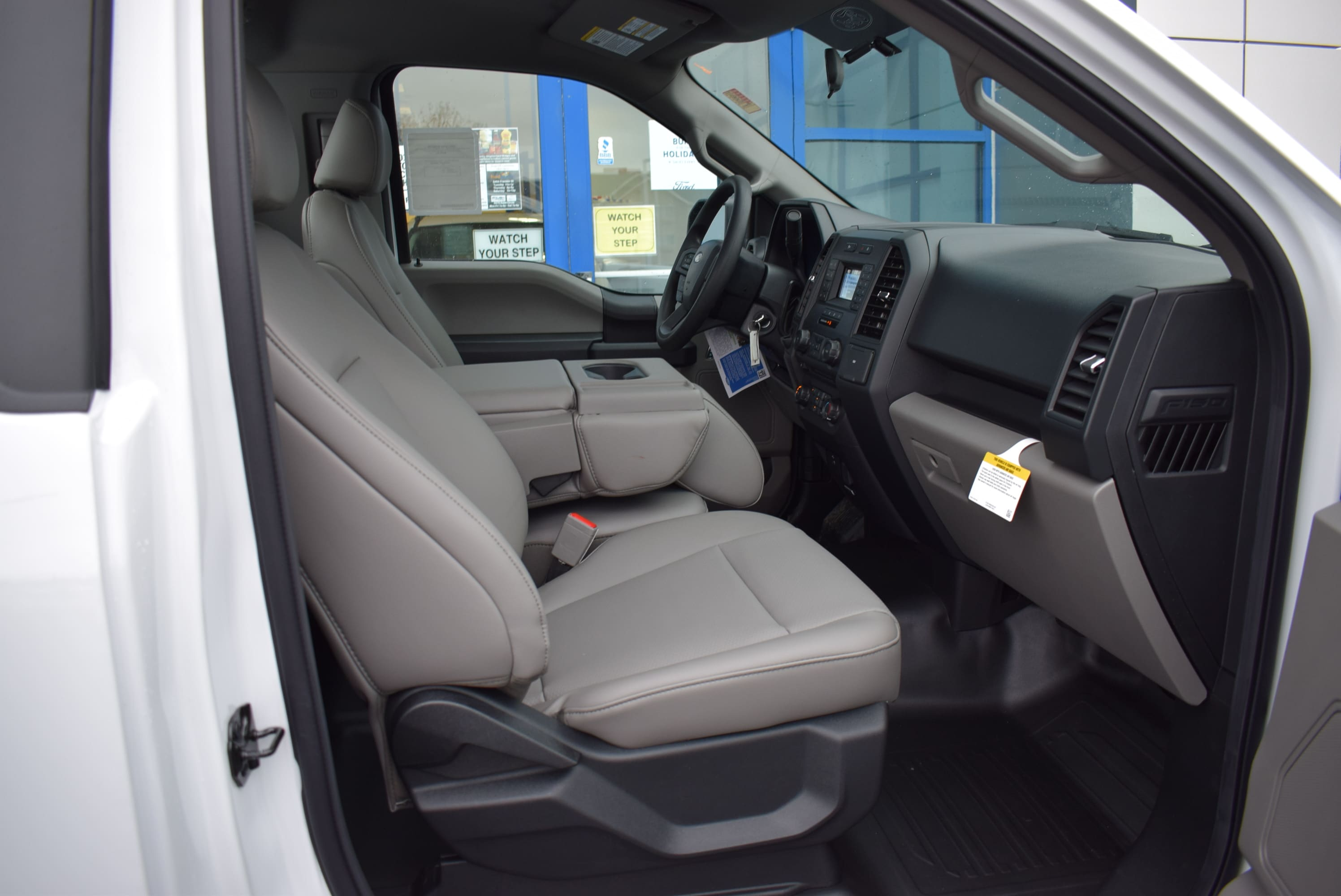 2018 F-150 Regular Cab 4x2,  Pickup #T18999 - photo 17