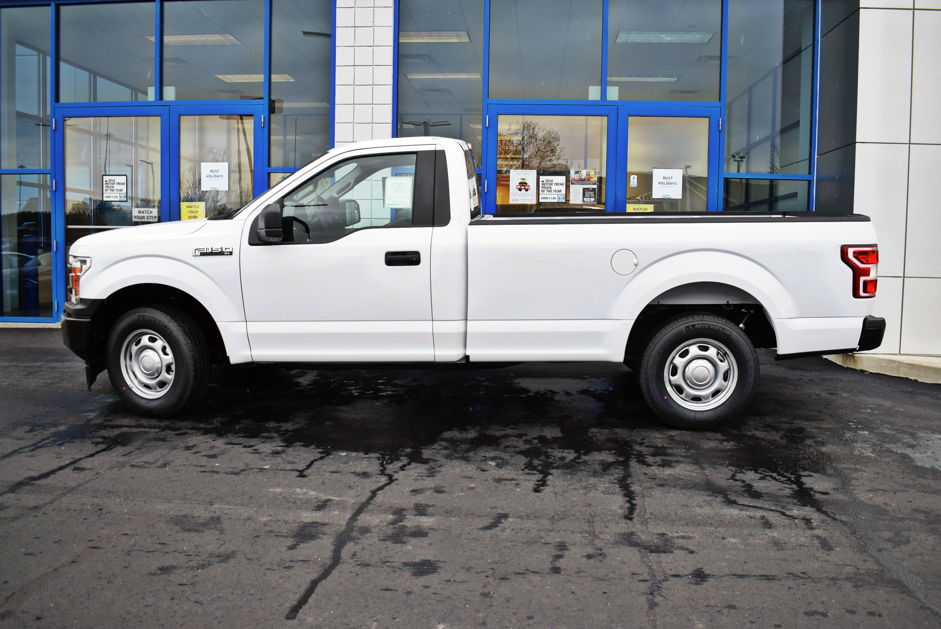 2018 F-150 Regular Cab 4x2,  Pickup #T18999 - photo 8