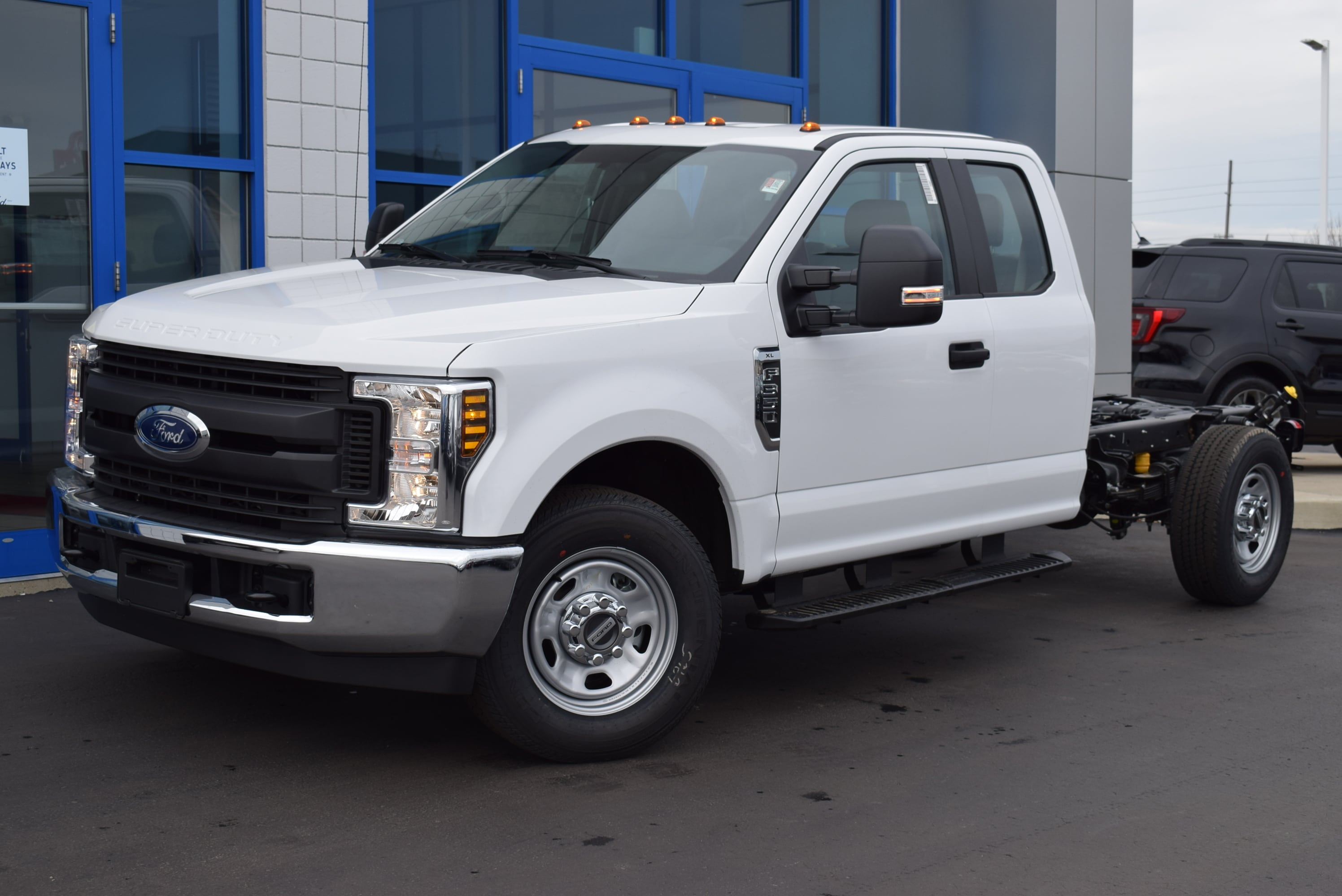 2019 F-350 Super Cab 4x2,  Cab Chassis #T19162 - photo 5