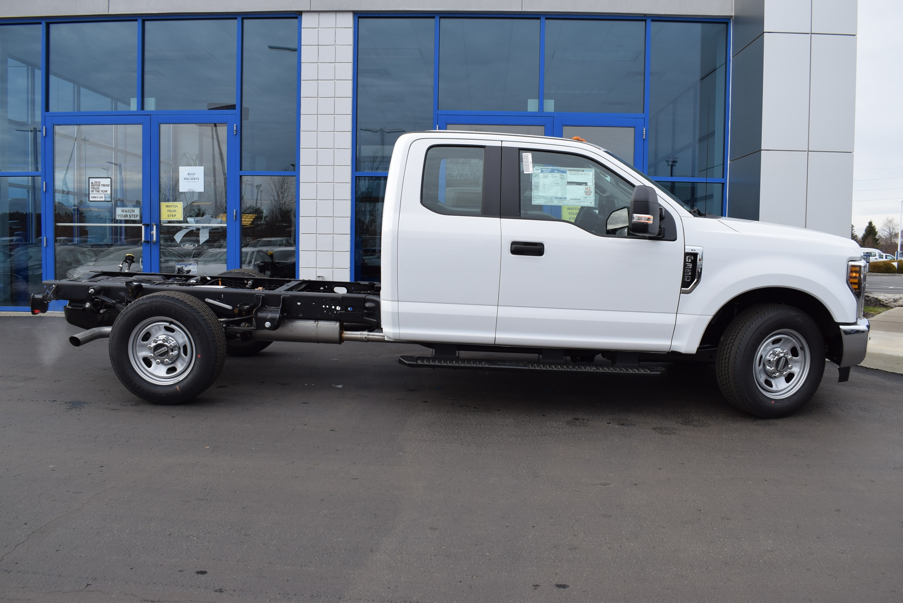 2019 F-350 Super Cab 4x2,  Cab Chassis #T19162 - photo 7