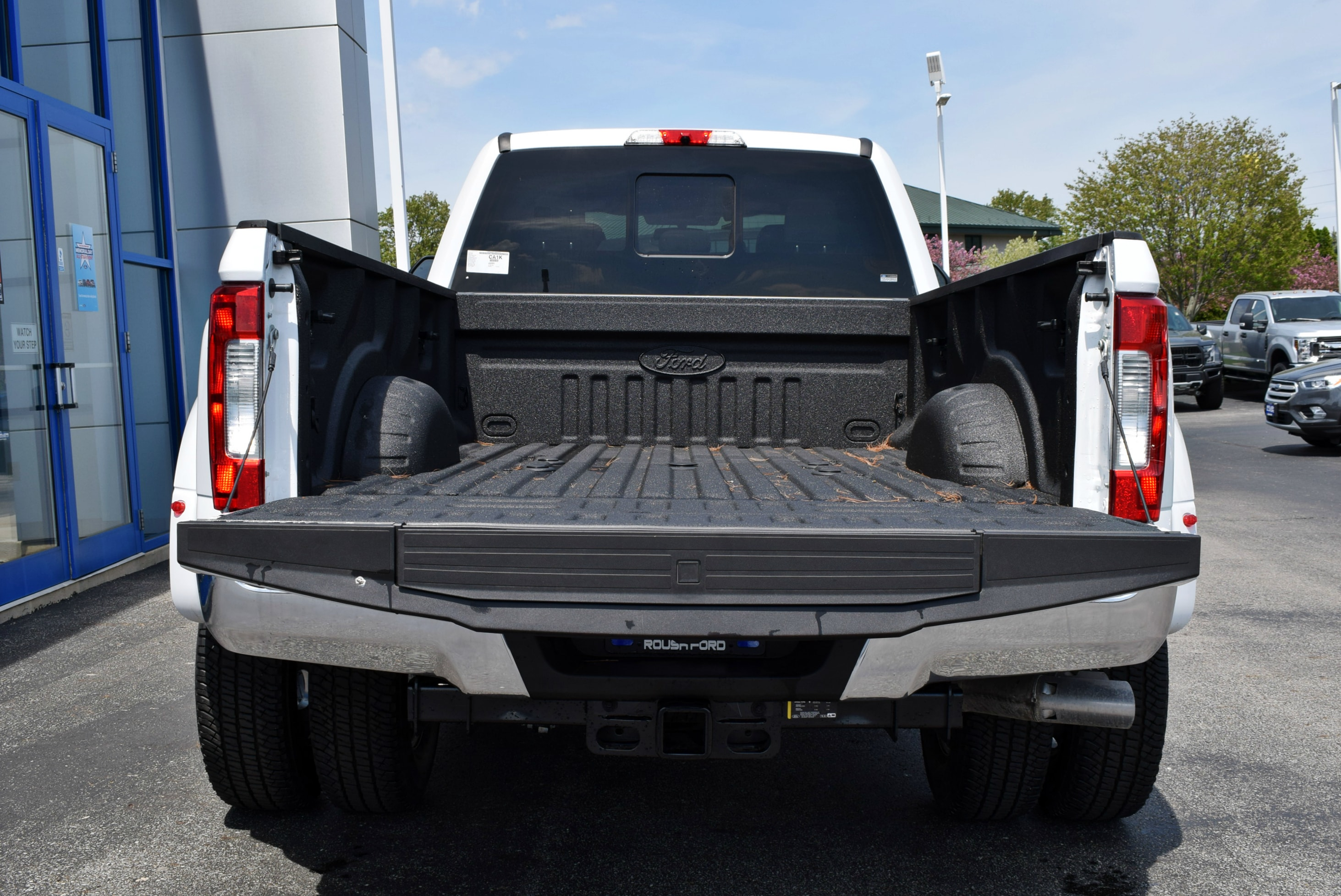 2018 F-350 Crew Cab DRW 4x4, Pickup #TD18455 - photo 11