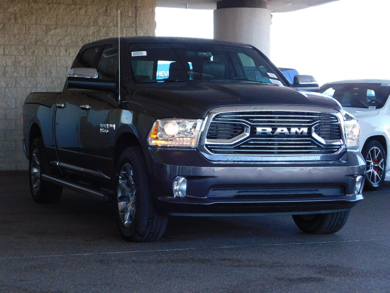 2017 Ram 1500 Crew Cab 4x4, Pickup #7TL10677 - photo 4