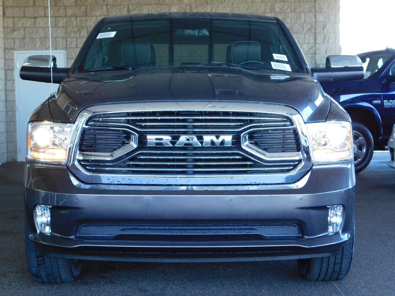 2017 Ram 1500 Crew Cab 4x4, Pickup #7TL10677 - photo 5