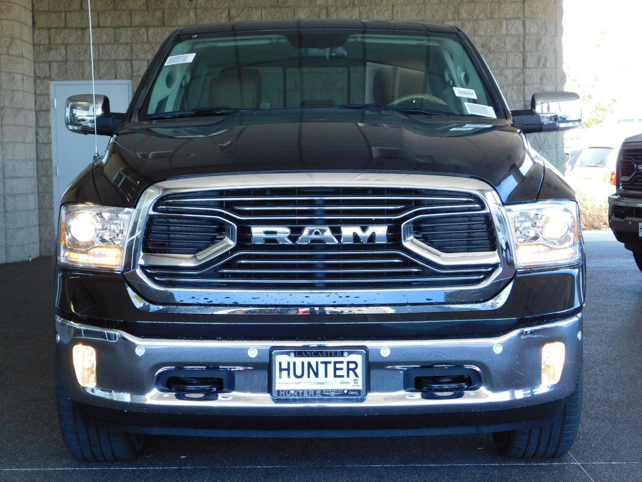 2017 Ram 1500 Crew Cab 4x4, Pickup #7TL11330 - photo 5