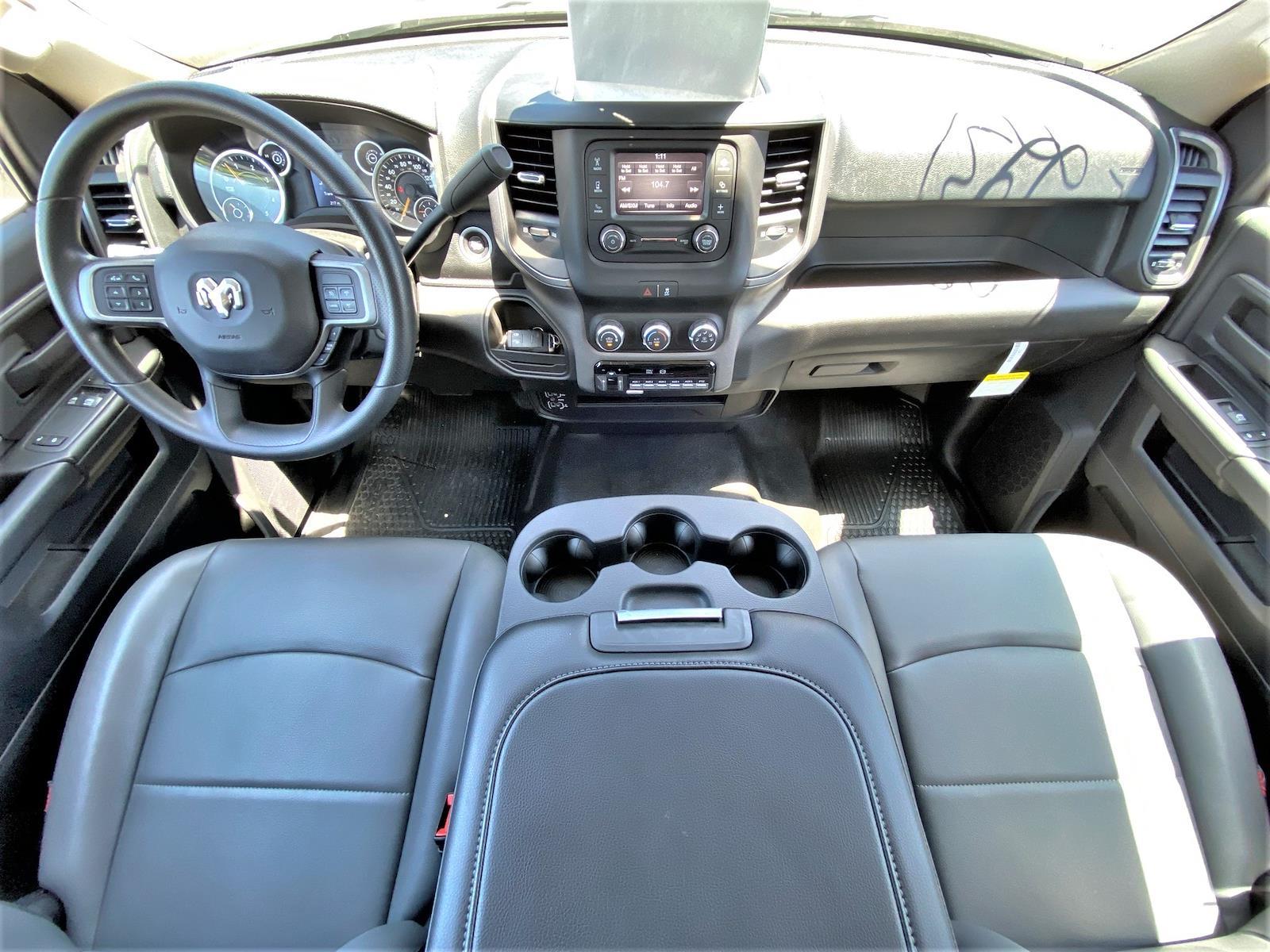 2020 Ram 5500 Regular Cab DRW 4x2, Supreme Iner-City Dry Freight #XCC53640 - photo 17